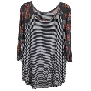 Maurices 24/7 Tee 3/4 Sleeve 2X Gray Stripe Floral